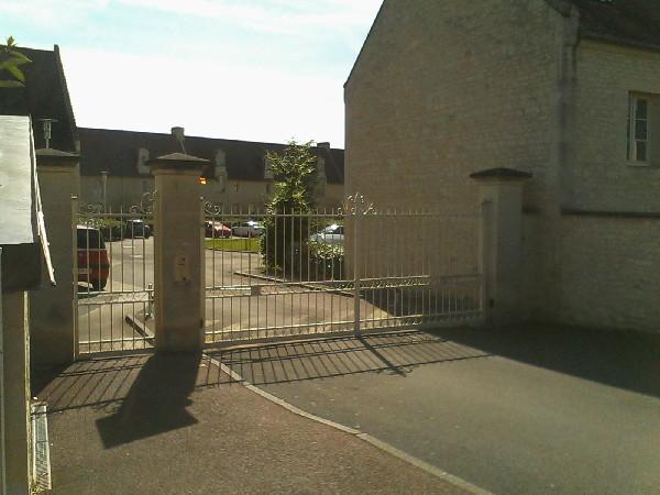 Vous êtes reçu à la ferme du vieux clocher à Bretteville sur Odon à 5 min du centre ville de Caen